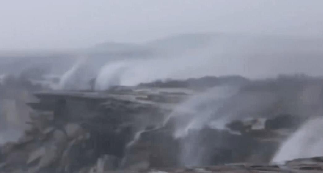 Cataratas invertidas por fuertes vientos en Australia