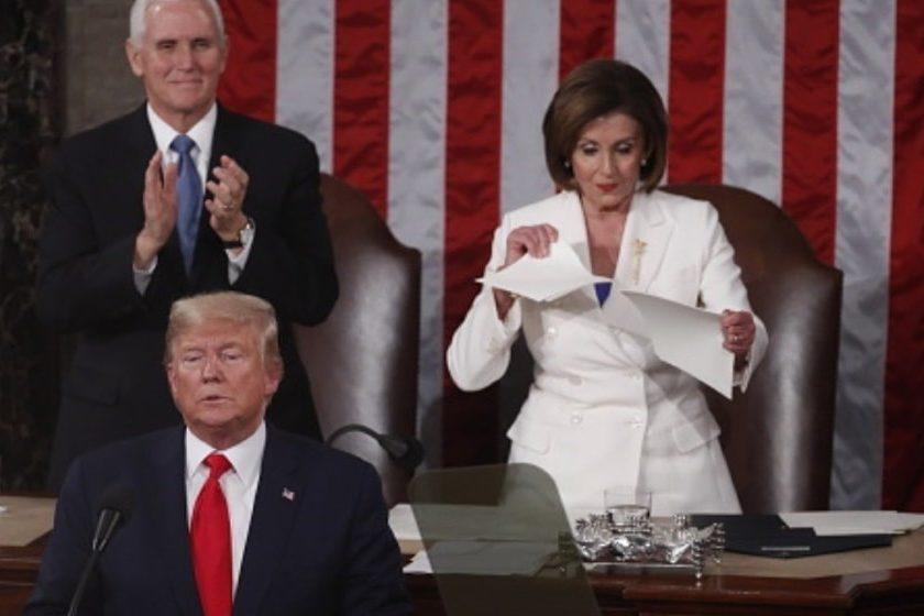 Nancy Pelosi rompe discurso de Trump