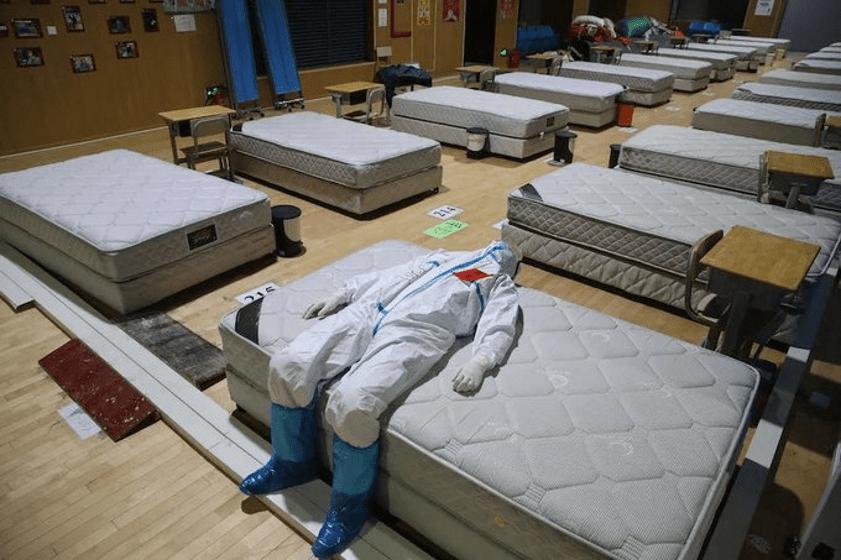 China cierra hospitales temporales por control de coronavirus en Wuhan