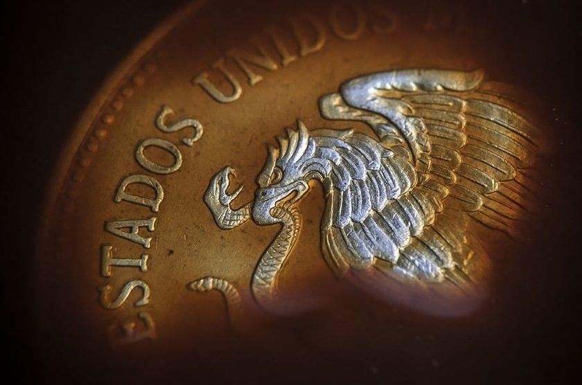 Peso mexicano se desploma por pandemia dólar supera los 21 pesos