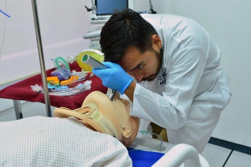 Déficit de médicos en México para enfrentar el coronavirus