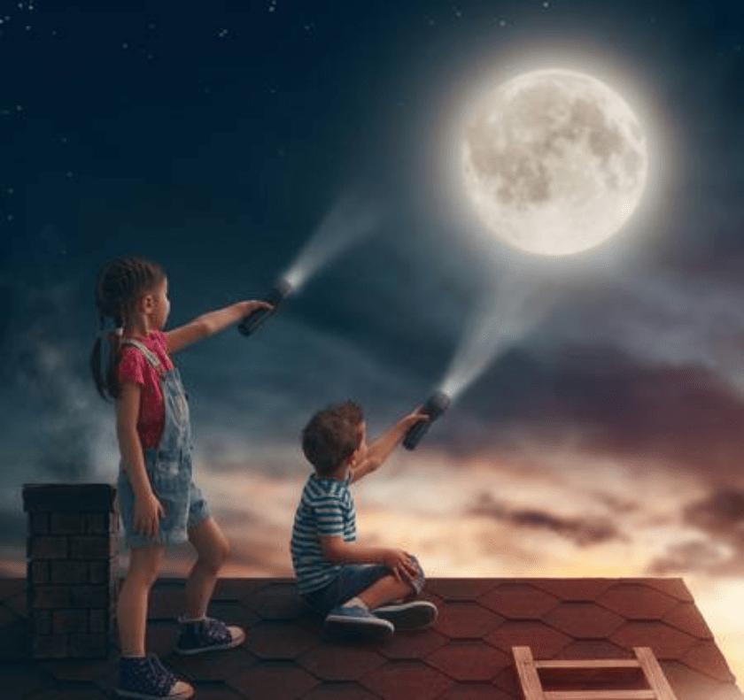 niños y la luna