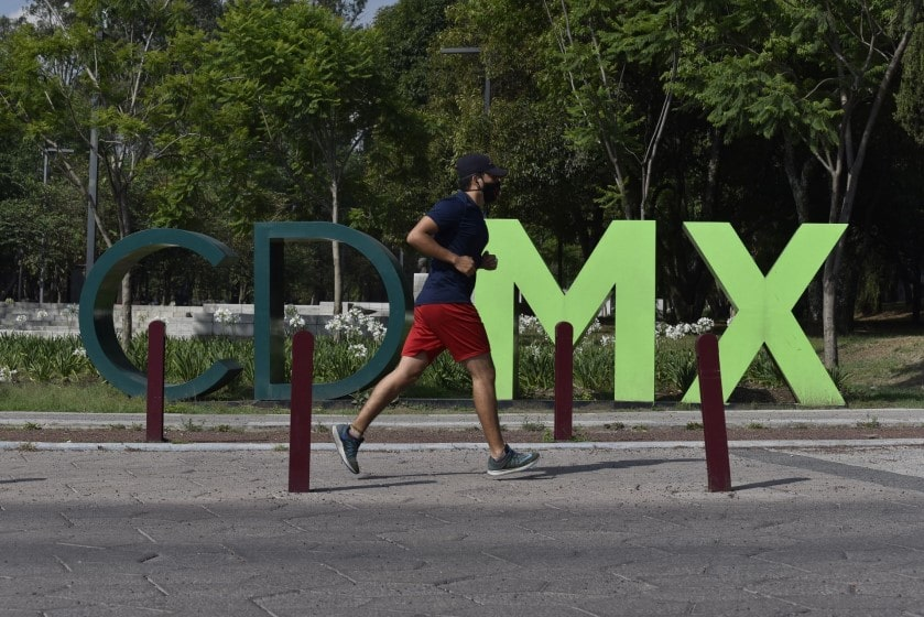 Semáforo naranja en la CDMX