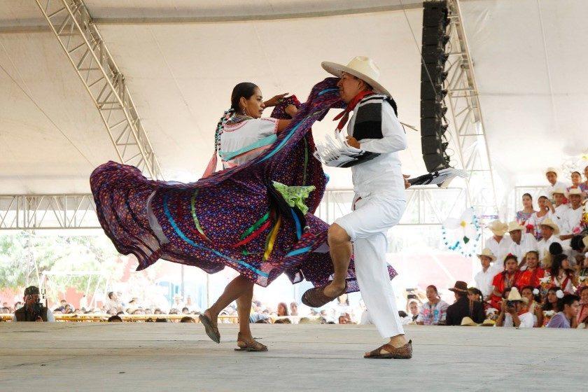 Oaxaca pospone la Guelaguetza
