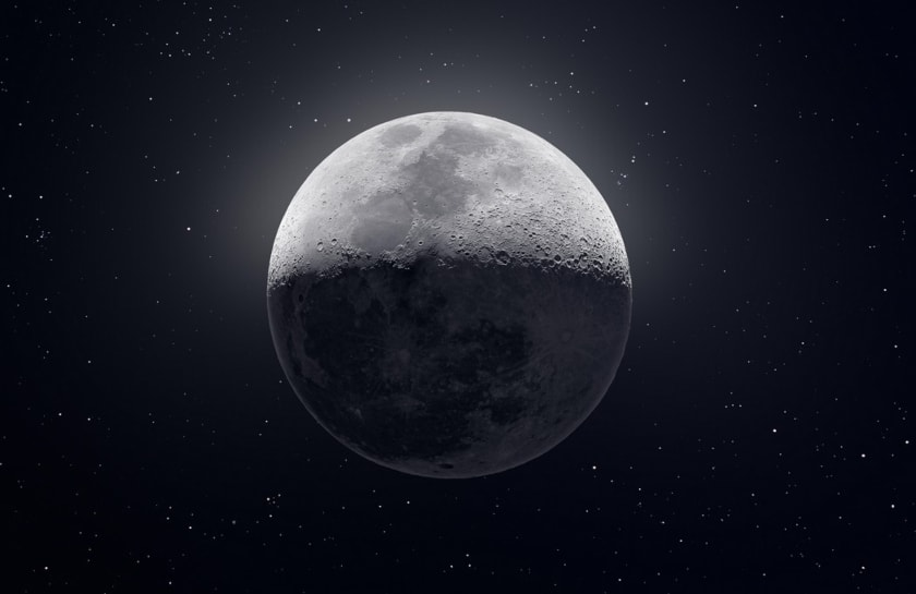 la luna en el espacio