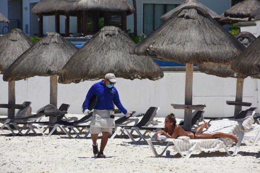 regreso de turistas a playas mexicanas