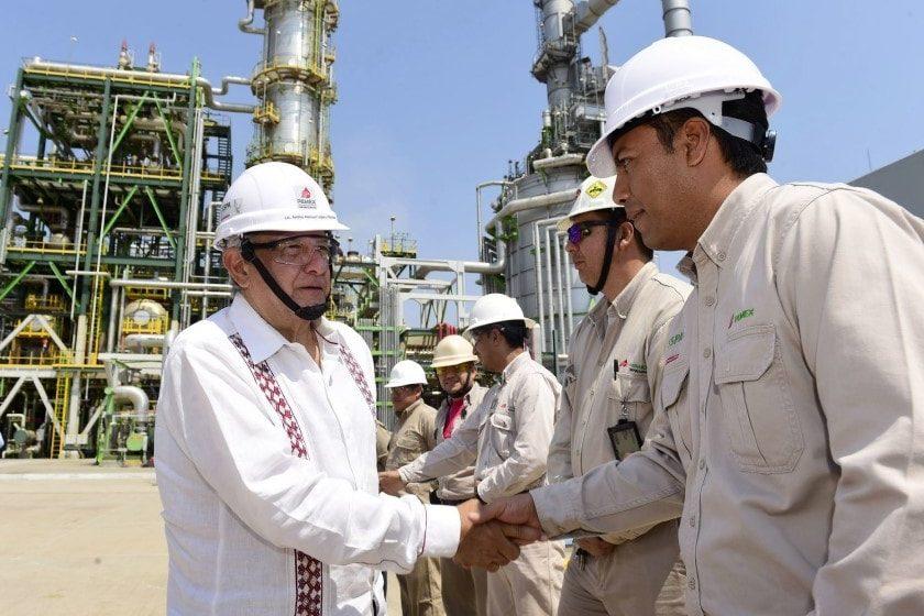 AMLO plantea posibilidad de nueva reforma energética