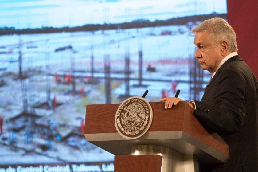 AMLO pide cancelar contratos entre Pemex y Odebrecht