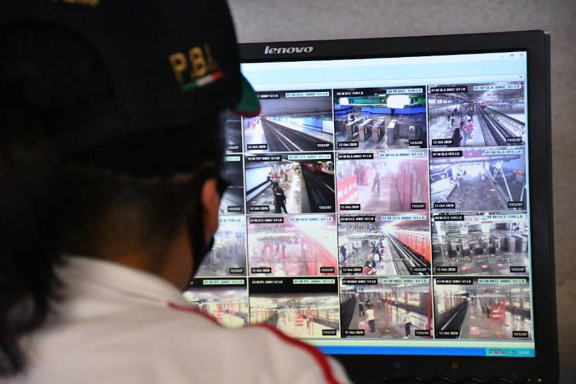 centro de monitoreo en el metro