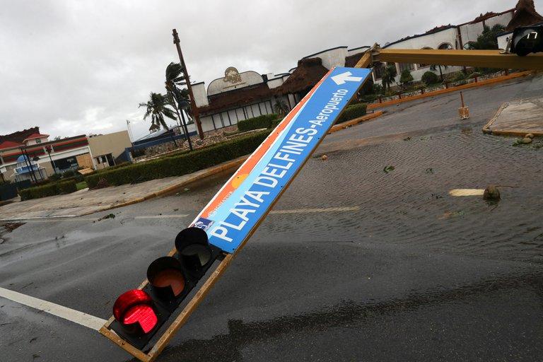 Imágenes del paso del huracán Delta en el Caribe mexicano