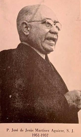 jesuita del instituto patria
