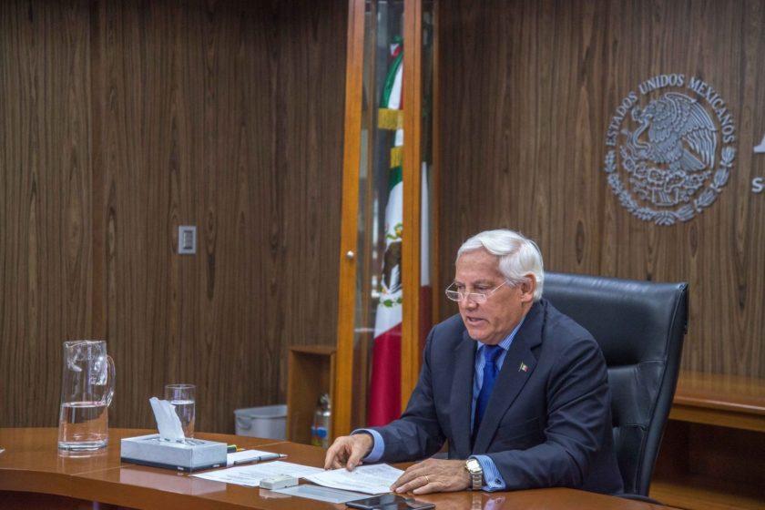 El titular de la Sader, Víctor Villalobos, reconoció la producción de amaranto en México.