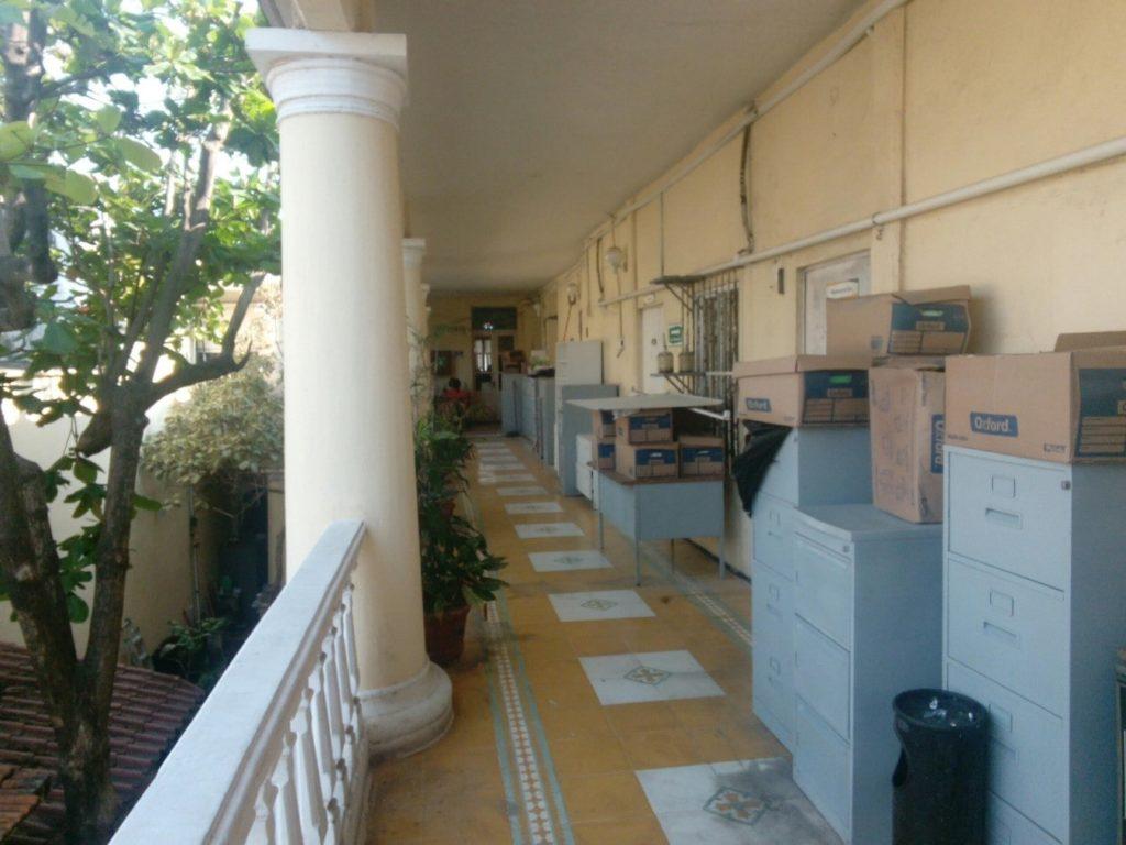 Archivos en el pasillo del Centro INAH Veracruz
