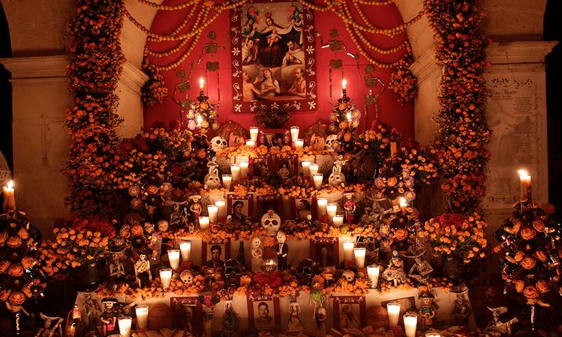 altar y ofrenda, Día de Muertos