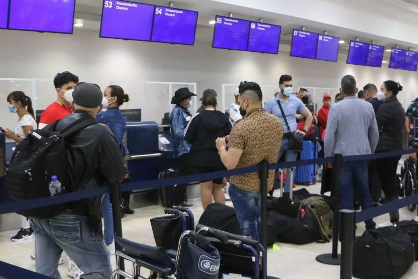 EE.UU. recomienda evitar viajes a México