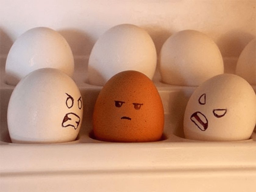 huevos racismo