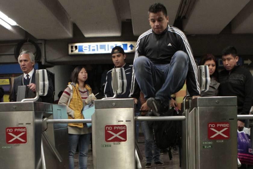 Metro_estacionBellasArtes_movilidad
