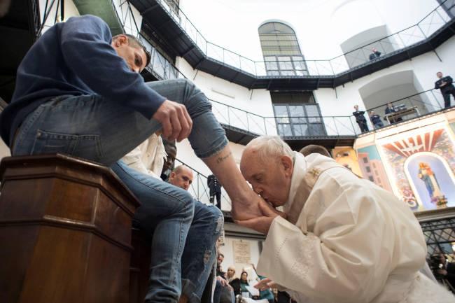 papa francisco lavado de pies