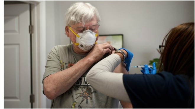 En un lento proceso de vacunación ¿Se podrán vacunar a todos los adultos mayores?