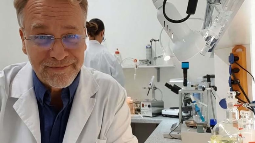Dr. Andreas Kalcker