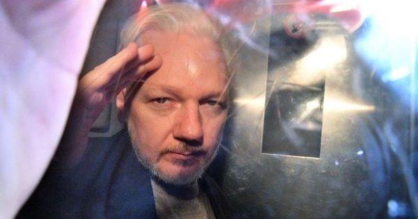 México tramitará asilo político para Julian Assange