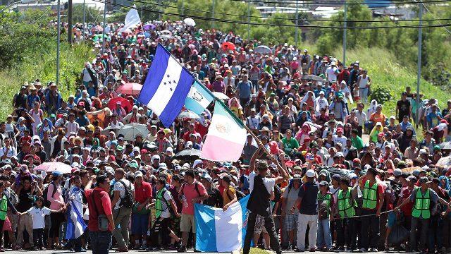Cierran fronteras a migrantes que iban a México y Estados Unidos