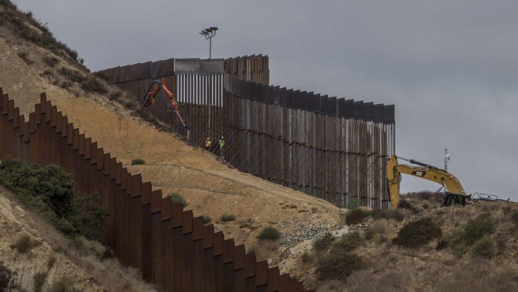 Biden cancela construcción del muro, un proyecto que comenzó mucho antes de Trump