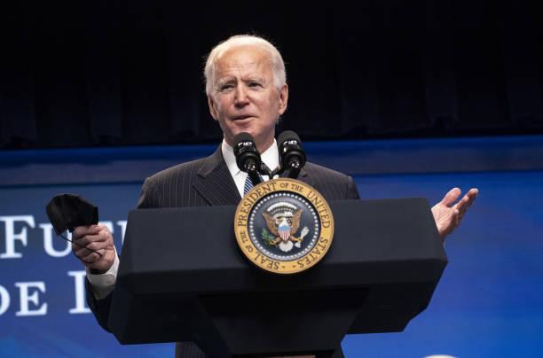 Biden buscaría una política basada en la comunicación con Cuba