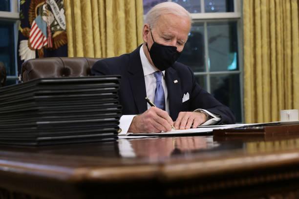 Biden asume como presidente de Estados Unidos y todos los americanos