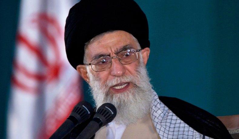 Irán prohibirá las vacunas de Estados Unidos y Reino Unido