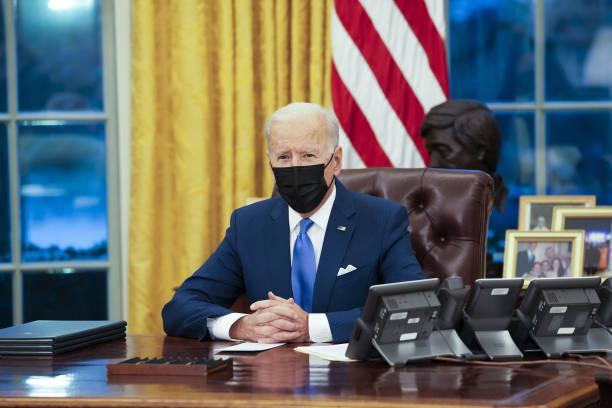 Biden deshace políticas migratorias de Trump