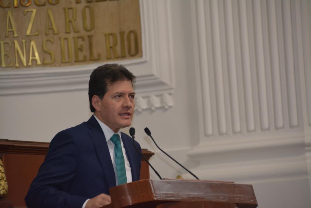 Diputado del PRD, Víctor Hugo Lobo.