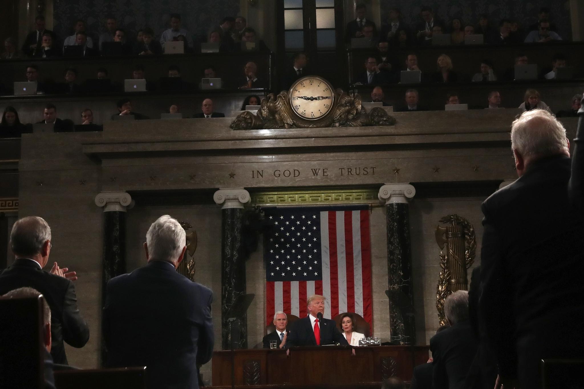 6 senadores republicanos apoyan juicio político a Trump