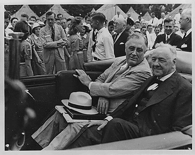 Franklin D Roosevelt y Josephus Daniels