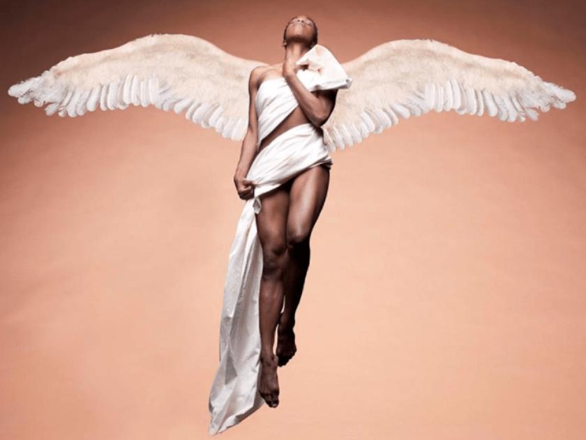 manifestacion 8M, mujeres con alas