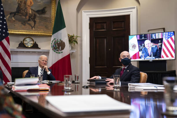 Un primer encuentro cordial y amistoso entre AMLO y Biden